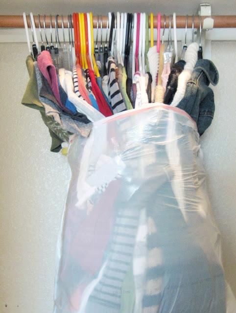 Mudança - Roupa com saco a proteger
